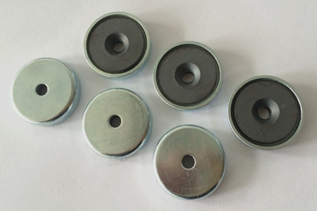 Ferrite Countersunk Pot Magnets