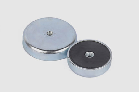 Flat Ferrite Pot Magnets with Internal(female)threaded Hole